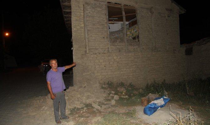 Depremin merkez üssü Tutluca'da depremzedelerin ilk gecesi