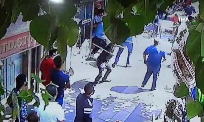 Bıçaklanma anı güvenlik kamerasında