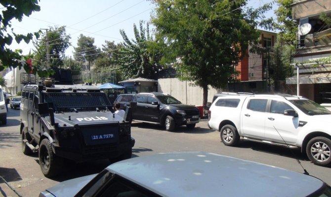 Teröristler EYP ile karakola saldırdı