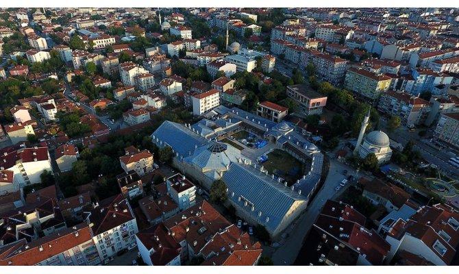 Tarihi kervansarayda 'tiyatro sahnesi' kuruldu