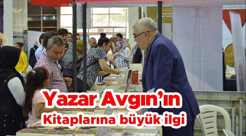 Yazar Avgın'ın Kitaplarına büyük ilgi