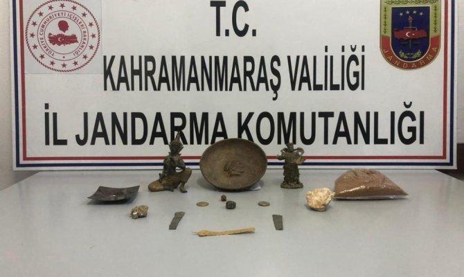 Tarihi eser kaçakçısı 3 kişi yakalandı