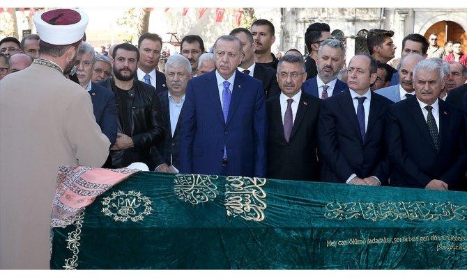 Cumhurbaşkanı Erdoğan İstanbul'da cenaze törenine katıldı