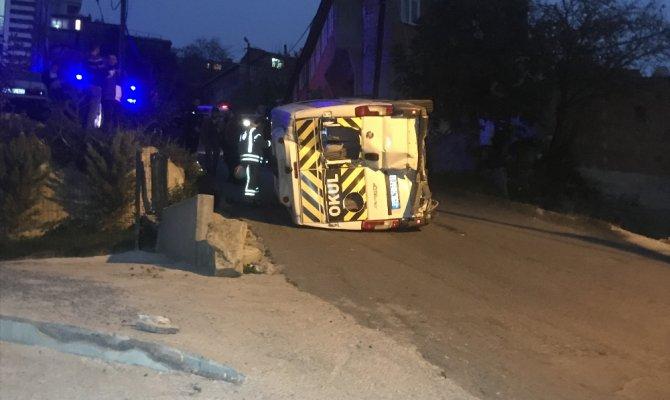 Eyüpsultan'da okul servisi devrildi: 7 yaralı
