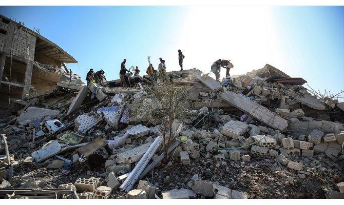 Rusya ve Esed rejiminden İdlib'e hava saldırıları: 6 ölü, 20 yaralı