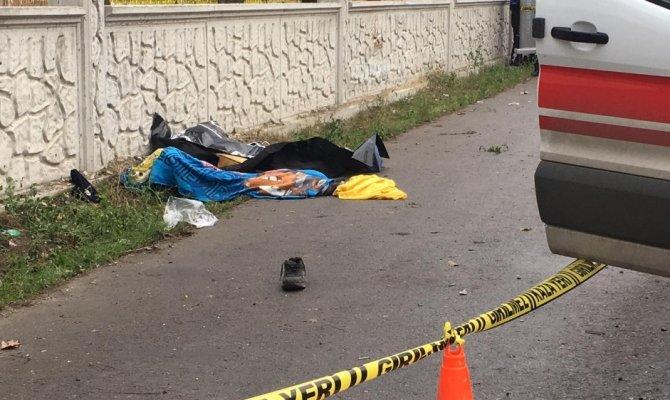 Uşak'ta Alkollü sürücü durağa daldı: 3 ölü