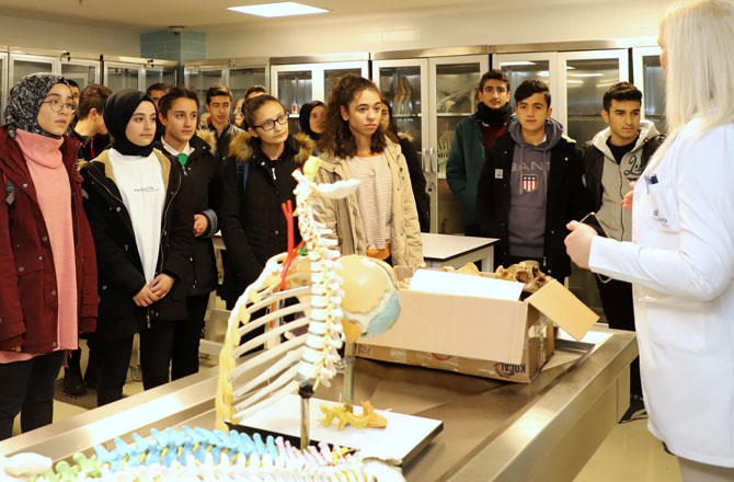 Sanko Üniversitesi lise öğrencilerini ağırladı