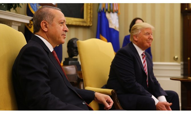 Trump, Cumhurbaşkanı Erdoğan'a Elazığ'daki deprem nedeniyle taziyelerini iletti