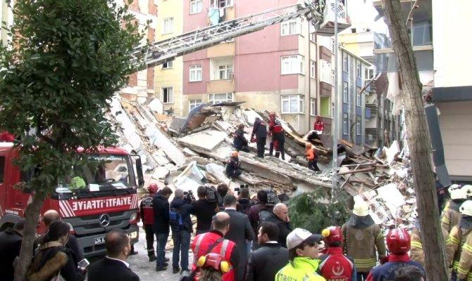 İstanbul Valiliği çöken binayla ilgili açıklama yaptı