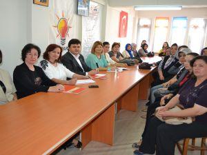 Ak Parti Manisa Kadın Kolları Başkanı Şule Uygur'dan Kula'ya Ziyaret