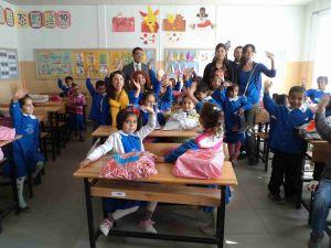 Varto Hürriyet İlköğretim Okulu Öğrencilerine Ayakkabı Ve Bot Hediye Edildi