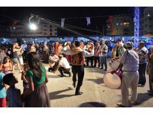 Ortaca Festivalinde Köy Düğünü Ve Selcan Konseri