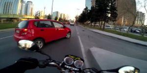 İstanbul Levent'te motosiklet kazası kask kamerasında