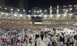 80 bin hacı adayı Mekke'ye akın ediyor