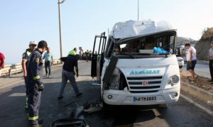 Bodrum'da yolcu minibüsü devrildi: 16 yaralı
