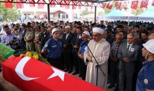Şehit polis, acı haberiyle ölen babaannesiyle son yolculuğuna uğurlandı
