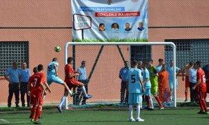 Eski milli futbolcular, hükümlü ve tutuklularla maç yaptı