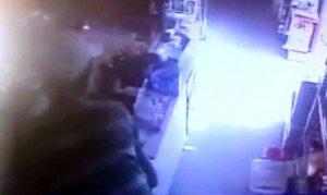 Kahramanmaraş'ta ki Ekmek büfesinde hırsızlık kamerada