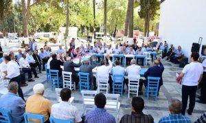Türkoğlu Belediyesi Meclis Toplantısını Millet Meydanında Yaptı