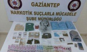 Gaziantep polisinden uyuşturucu tacirlerine operasyon: 30 gözaltı