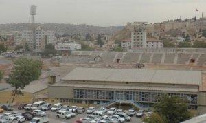 Gaziantep Kamil Ocak Stadyumu'nun tribünleri yıkılıyor
