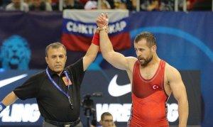 Güreş dünya klasmanında 15 Türk sporcu yer aldı