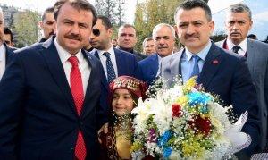 Bakan Pakdemirli Büyükşehir Belediyesi'ni Ziyaret Etti