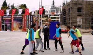 Kahramanmaraş Büyükşehir Belediyesinin Sokak Turnuvası Sona Erdi