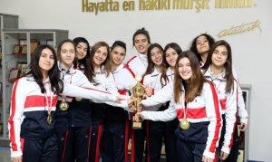 Gençler Kız Basketbol Takımı il birincisi oldu