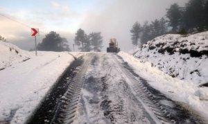 Büyükşehir Belediyesinin karla imtihanı aralıksız sürüyor