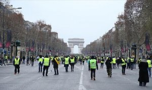 Fransa'daki gösterilerde ölü sayısı 10'a yükseldi