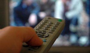 Üç saatten fazla televizyon izlemek sıkıntıları doğuruyor