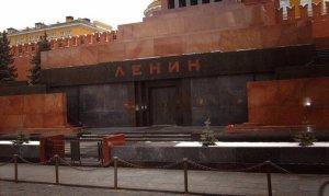 Rusya Lenin'in naaşını konuşuyor
