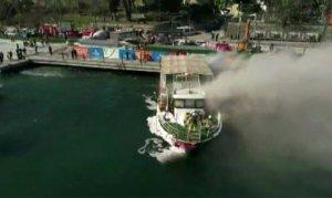 Tur teknesinde yangın çıktı