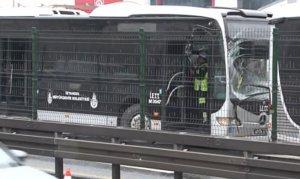 Beylikdüzü'nde iki metrobüs çarpıştı