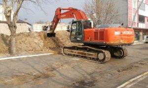 Elbistan'da 51 metruk binanın yıkımına başlandı