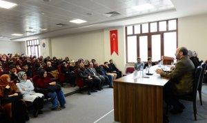 Mehmet Akif Ersoy'un Tasavvufi ve Edebi Kişiliği Anlatıldı