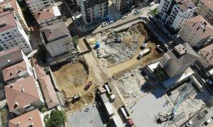 Çöken binanın yerine yapılacak binanın temeli atıldı