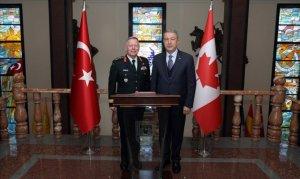 Kanada Genelkurmay Başkanıyla bir araya geldi