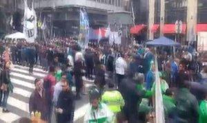 Arjantin'de halk sokaklara döküldü: 39 gözaltı