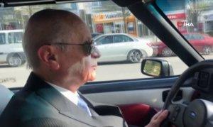 Bahçeli klasik otomobiliyle Ankara sokaklarında tur attı