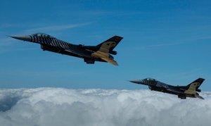Tanker uçaklar muharip uçakların kabiliyetini artırıyor
