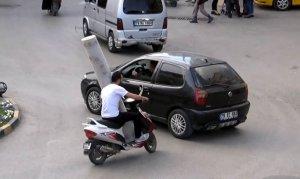 Motosikleti yük taşımak için kullanıyorlar