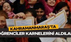 Kahramanmaraş'ta öğrenciler karnelerini aldılar
