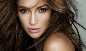Dünyaca ünlü şarkıcı 10 tır dolusu malzemeyle Antalya geliyor