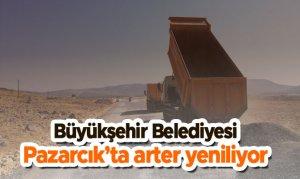 Büyükşehir Belediyesi Pazarcık'ta arter yeniliyor