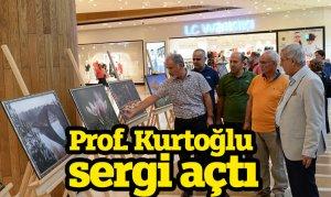 Prof. Kurtoğlu sergi açtı