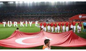 Türkiye Fransa ile liderlik maçında