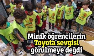Minik öğrencilerin Toyota sevgisi görülmeye değdi