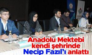 Anadolu Mektebi kendi şehrinde Necip Fazıl'ı anlattı